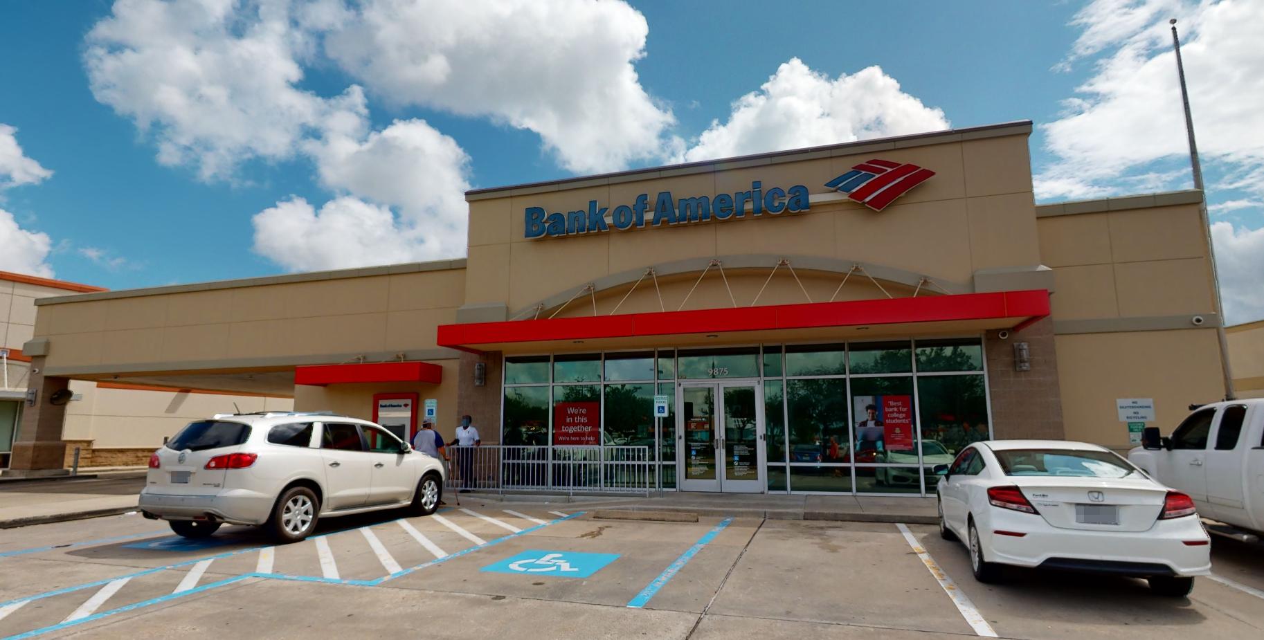 Bank of America financial center with drive-thru ATM and teller | 9875 Blackhawk Blvd, Houston, TX 77075