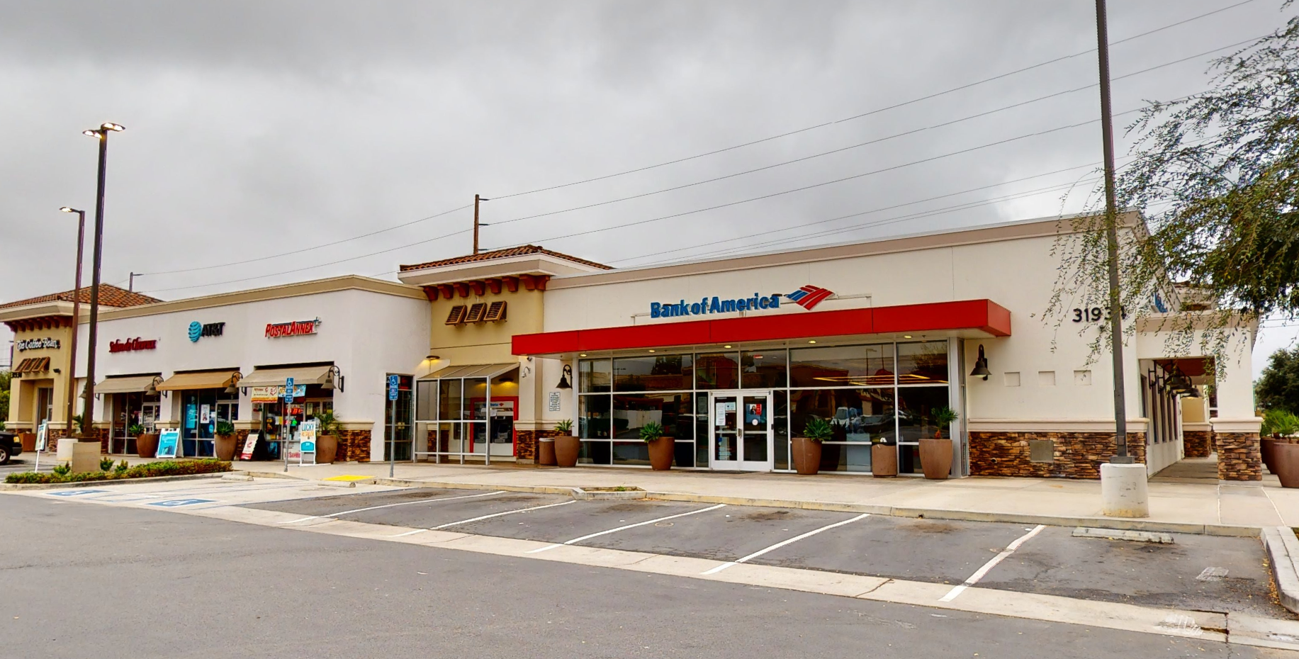 Bank of America financial center with drive-thru ATM | 31934 Temecula Pkwy, Temecula, CA 92592