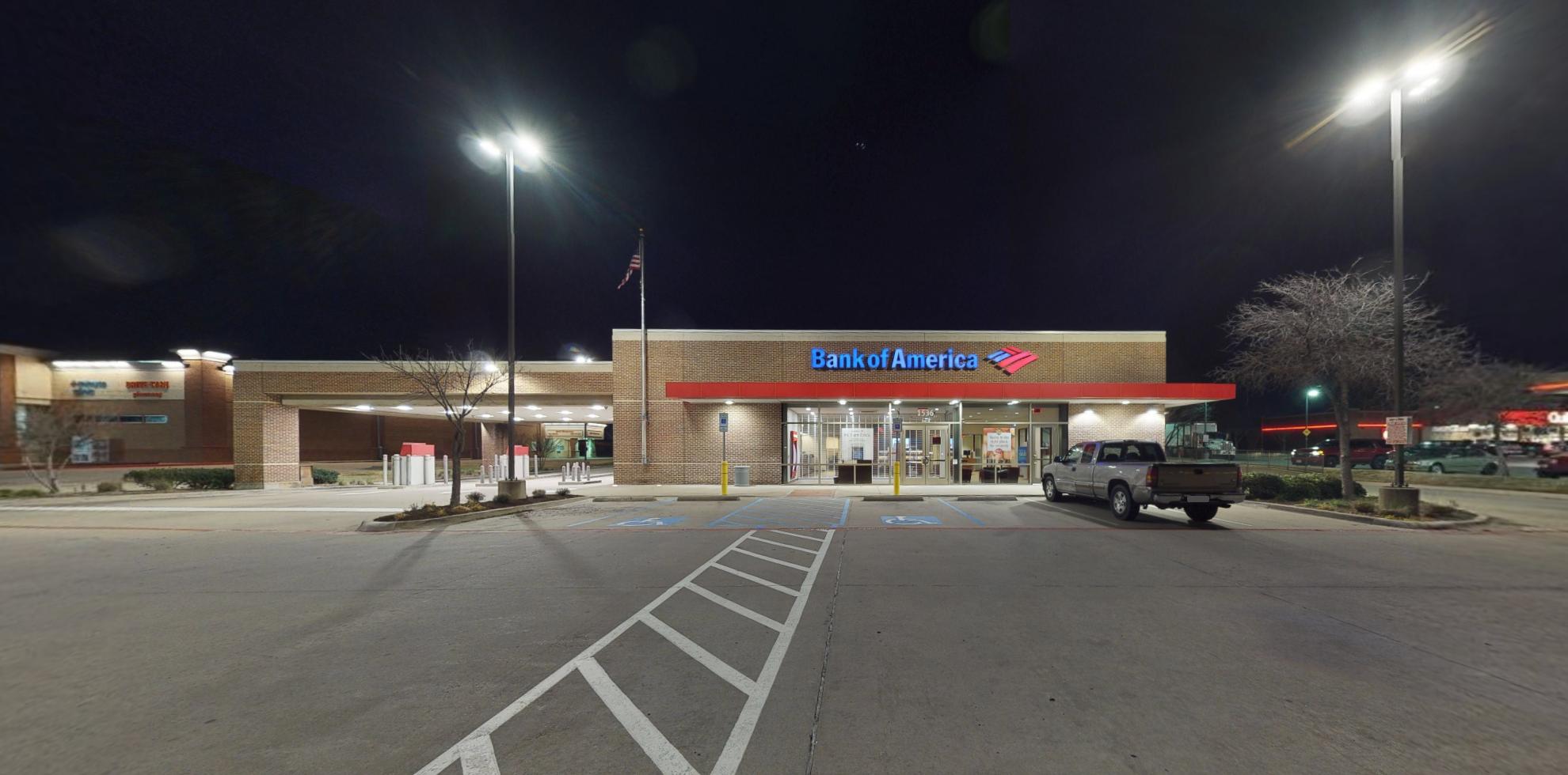 Bank of America financial center with drive-thru ATM | 1536 W Hebron Pkwy, Carrollton, TX 75010
