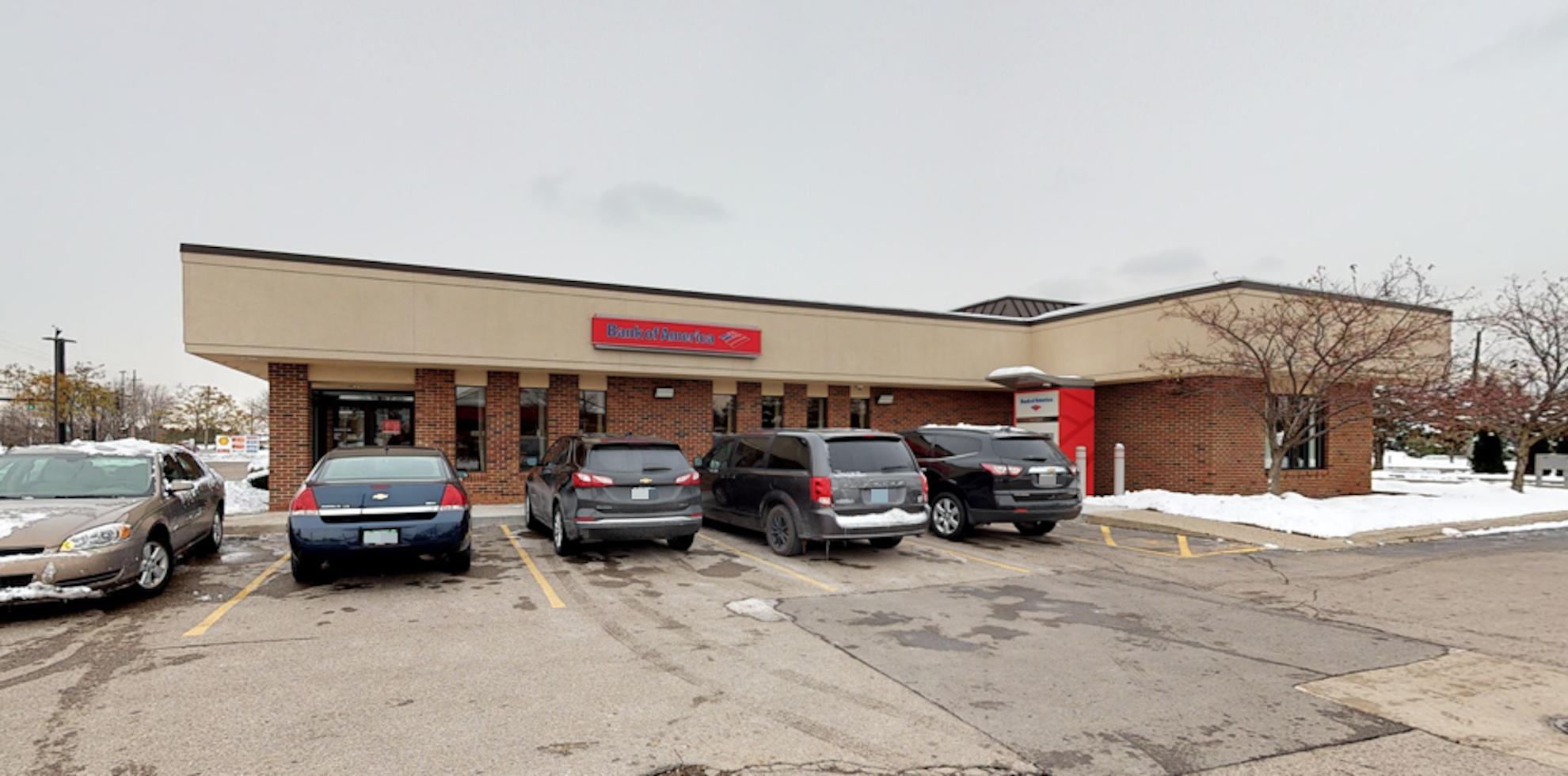 Bank of America financial center with drive-thru ATM | 40950 Garfield Rd, Clinton Township, MI 48038