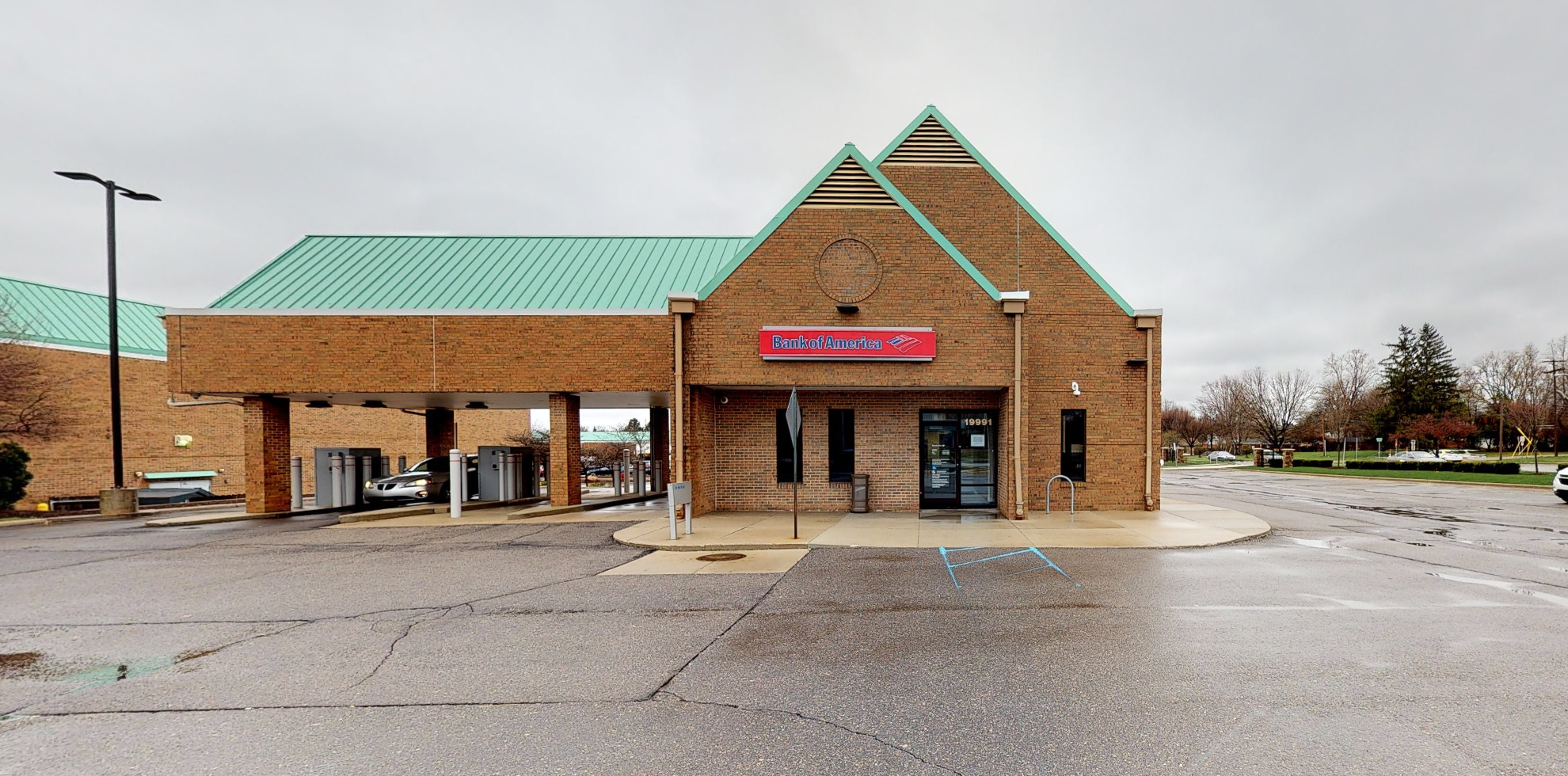 Bank of America financial center with drive-thru ATM | 19991 W 12 Mile Rd, Southfield, MI 48076