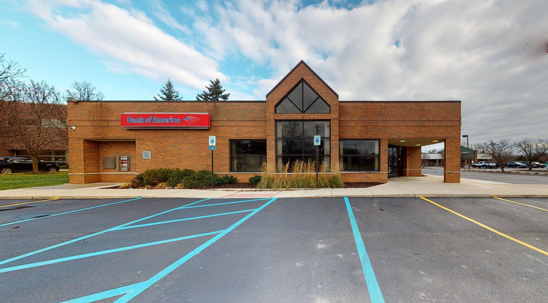 Bank of America financial center with drive-thru ATM | 1391 S Lapeer Rd, Lake Orion, MI 48360