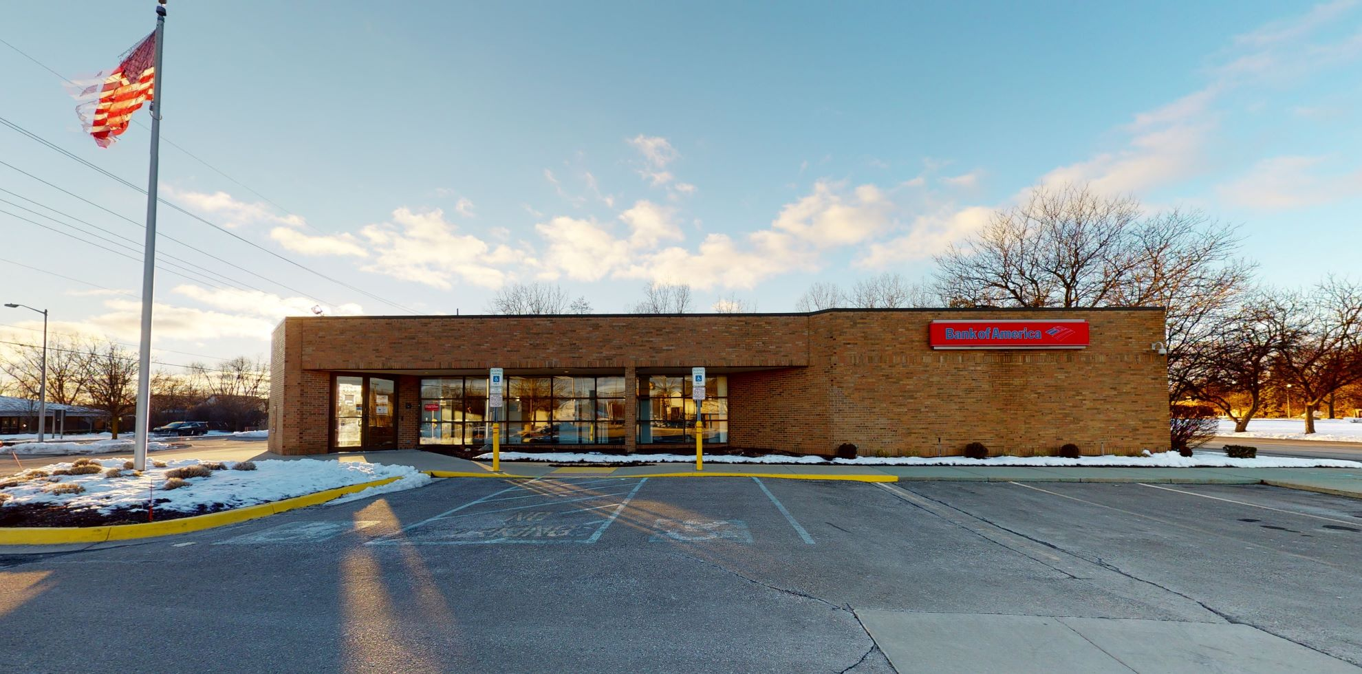 Bank of America financial center with drive-thru ATM   6120 W Maple Rd, West Bloomfield, MI 48322