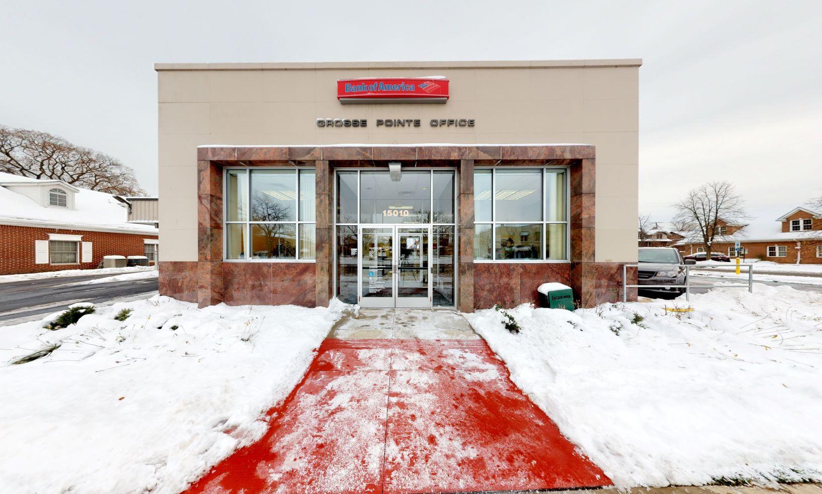 Bank of America financial center with drive-thru ATM | 15010 E Jefferson Ave, Grosse Pointe Park, MI 48230
