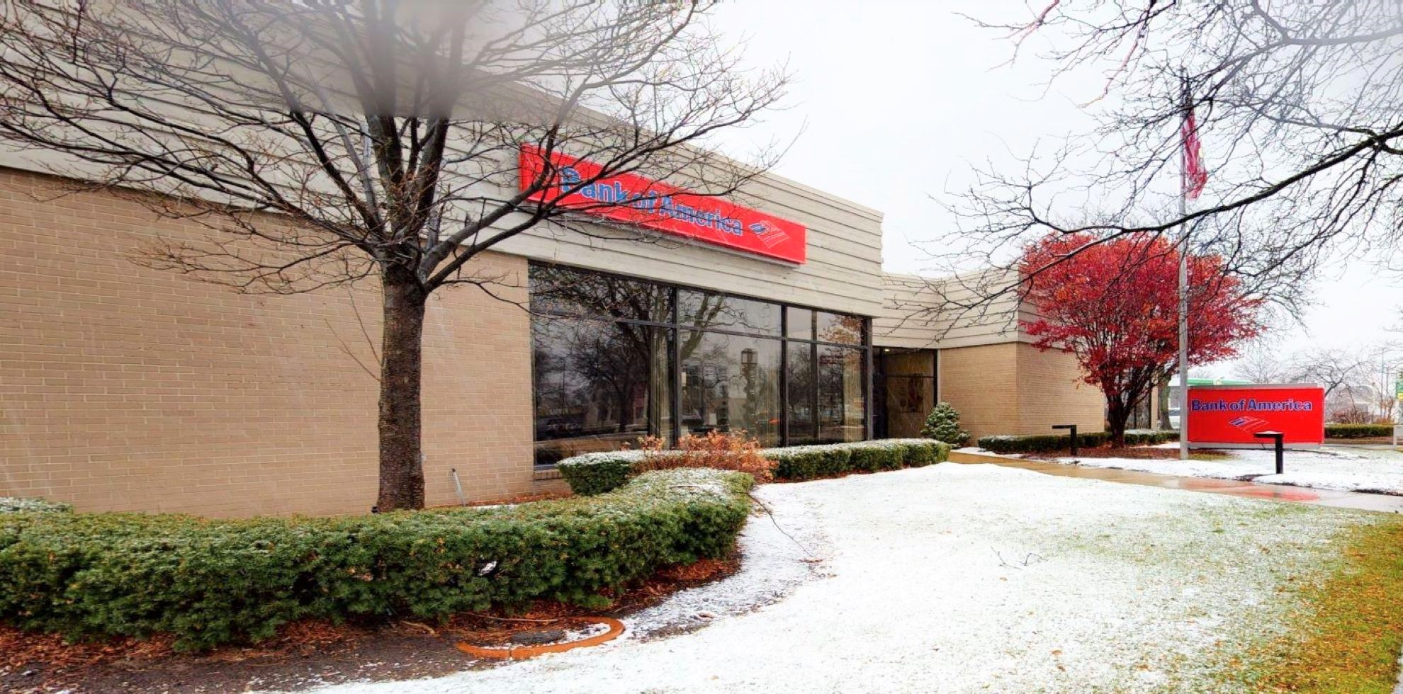 Bank of America financial center with drive-thru ATM | 15751 E 9 Mile Rd, Eastpointe, MI 48021