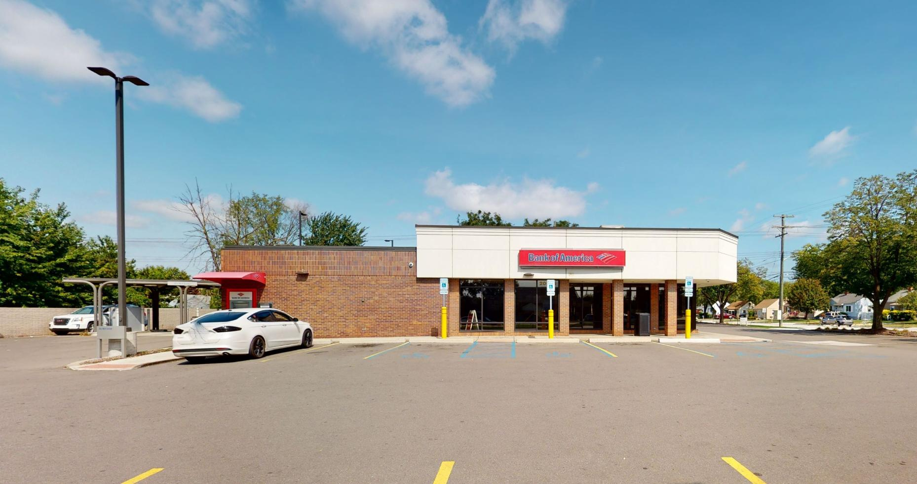 Bank of America financial center with drive-thru ATM and teller | 20695 E 12 Mile Rd, Roseville, MI 48066