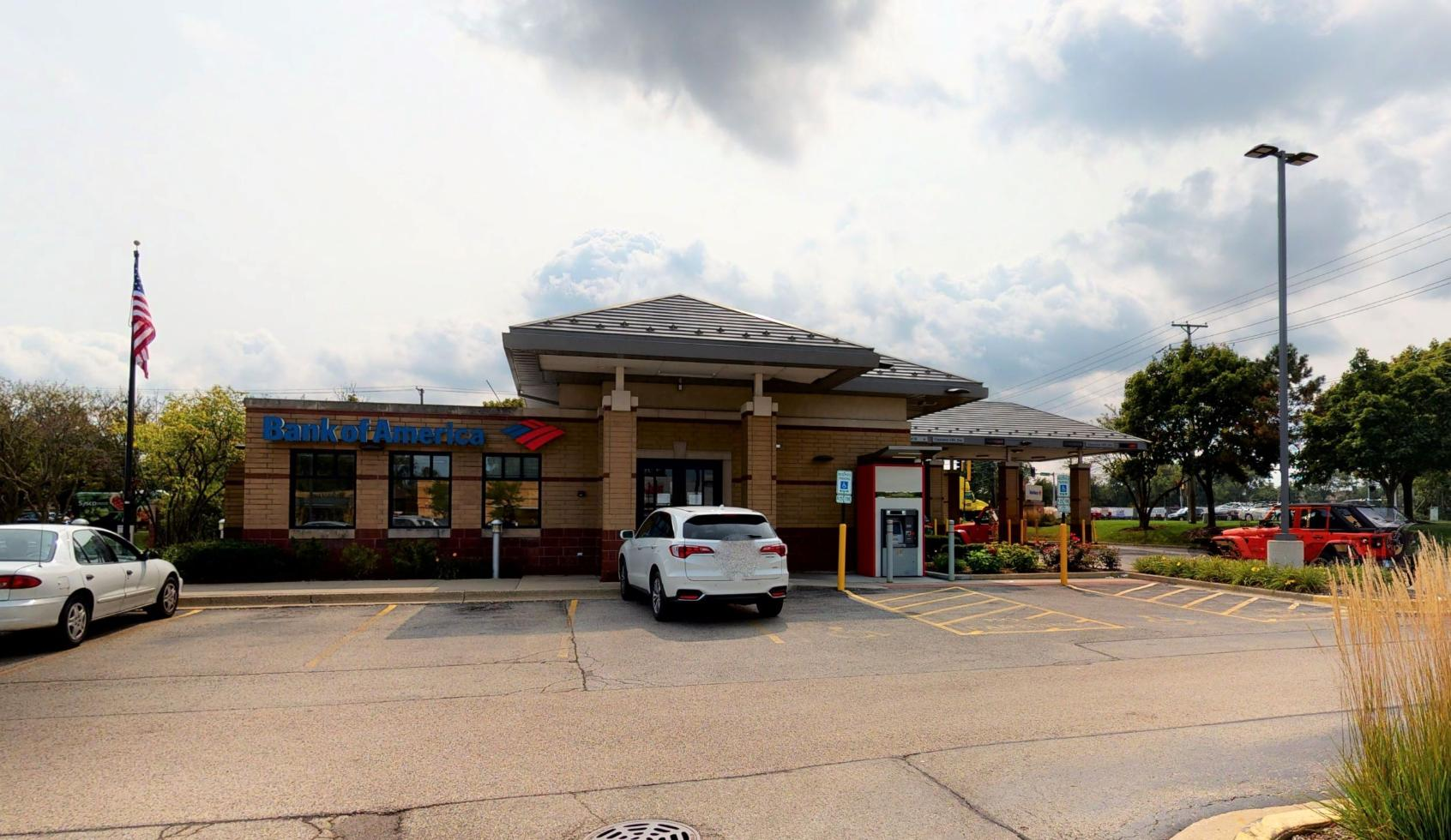 Bank of America financial center with drive-thru ATM   2821 Pfingsten Rd, Glenview, IL 60026