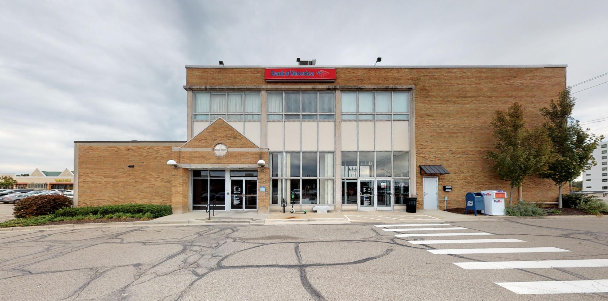 Bank of America financial center with walk-up ATM | 300 Frandor Ave, Lansing, MI 48912