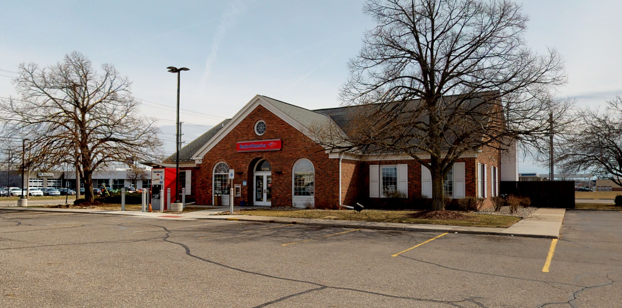 Bank of America financial center with drive-thru ATM and teller | 6100 S Pennsylvania Ave, Lansing, MI 48911