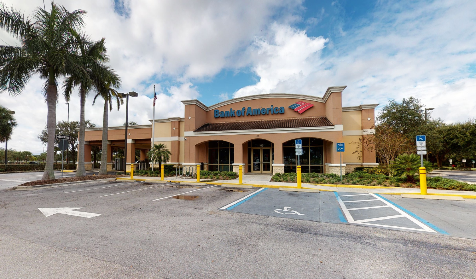 Bank of America financial center with drive-thru ATM and teller | 105 N Congress Ave, Lake Park, FL 33403