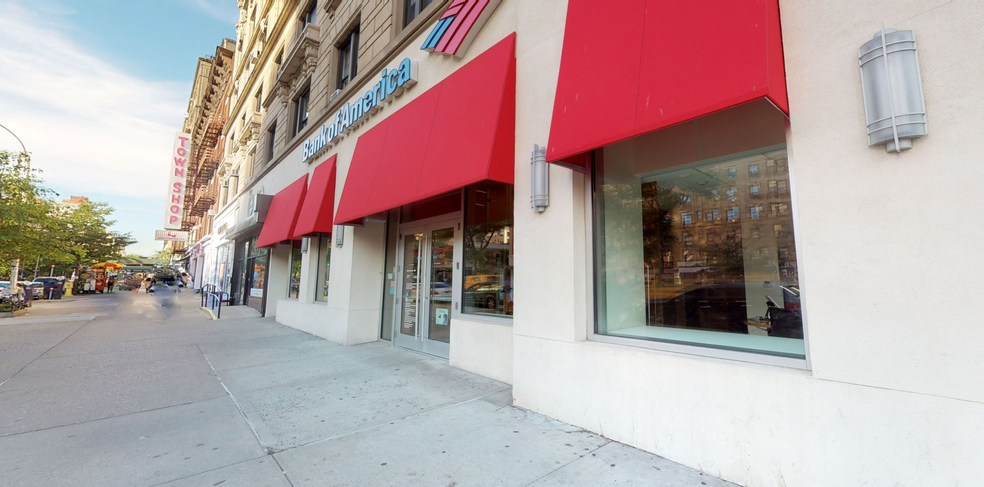 Bank of America financial center with walk-up ATM | 2260 Broadway, New York, NY 10024