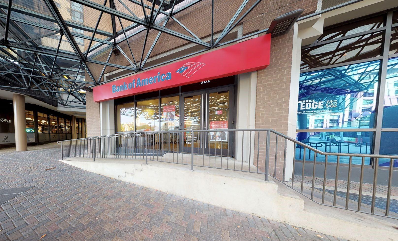 Bank of America financial center with walk-up ATM   901 N Stuart St STE 100, Arlington, VA 22203