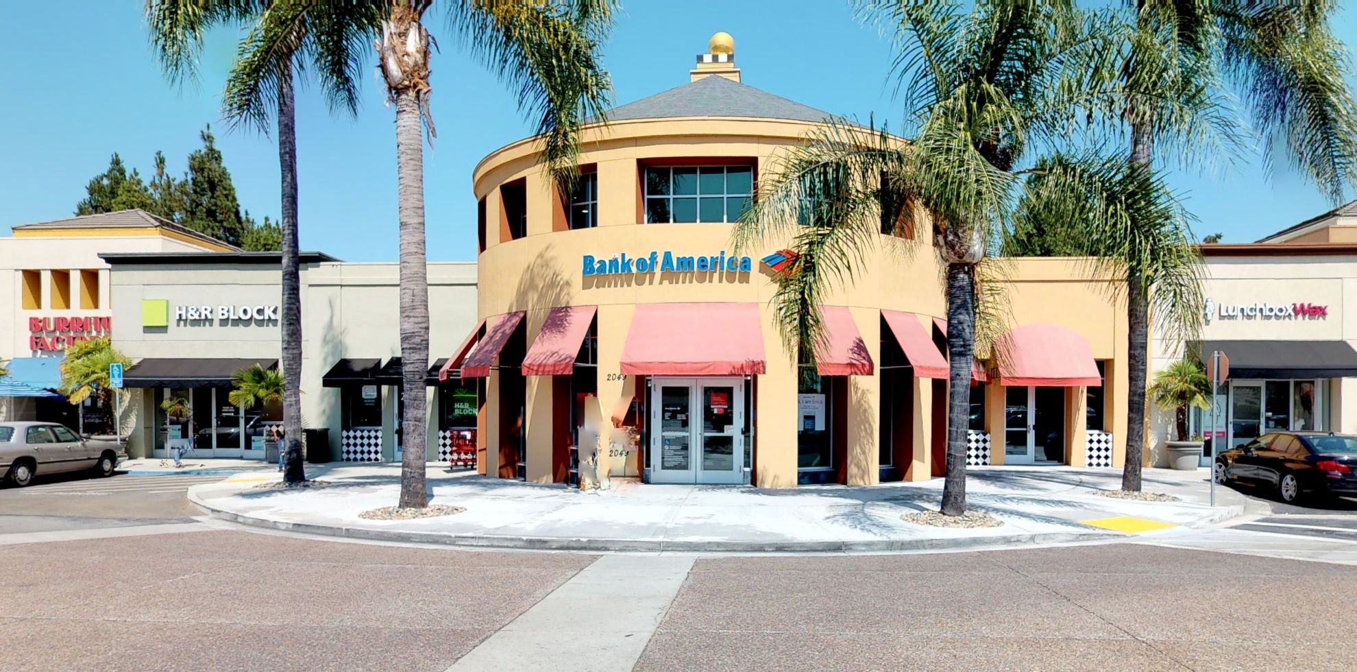 Bank of America financial center with walk-up ATM | 2049 Camden Ave, San Jose, CA 95124