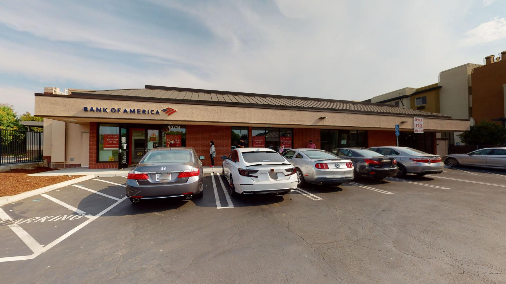 Bank of America financial center with walk-up ATM | 40714 Grimmer Blvd, Fremont, CA 94538