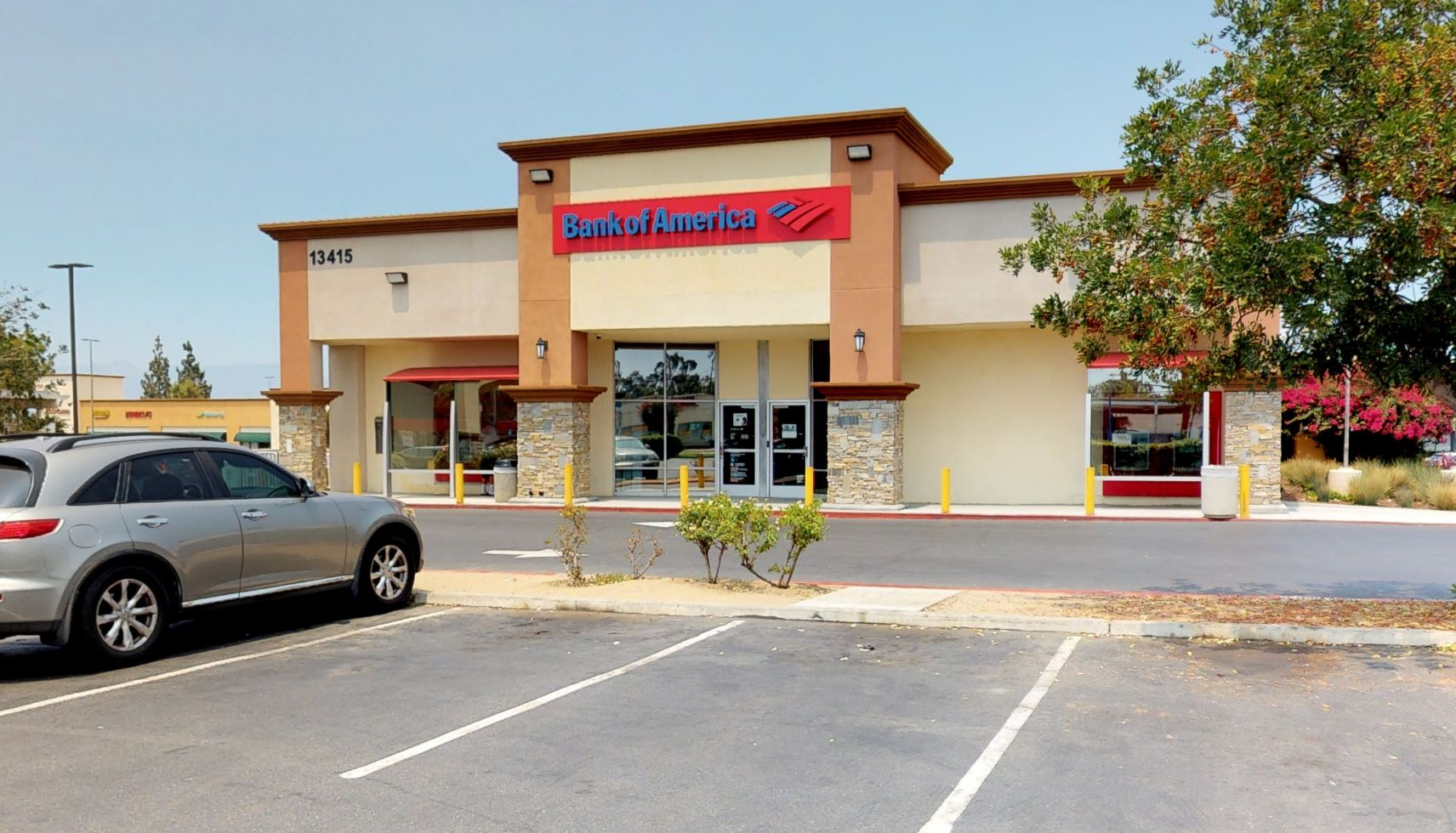 Bank of America financial center with walk-up ATM | 13415 Telegraph Rd, Whittier, CA 90605