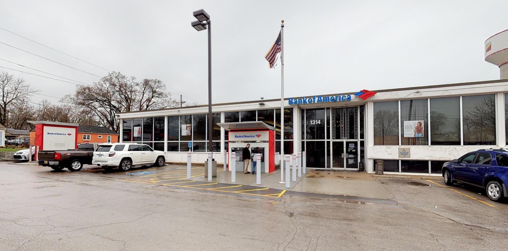 Bank of America financial center with drive-thru ATM | 1314 N 38th St, Kansas City, KS 66102