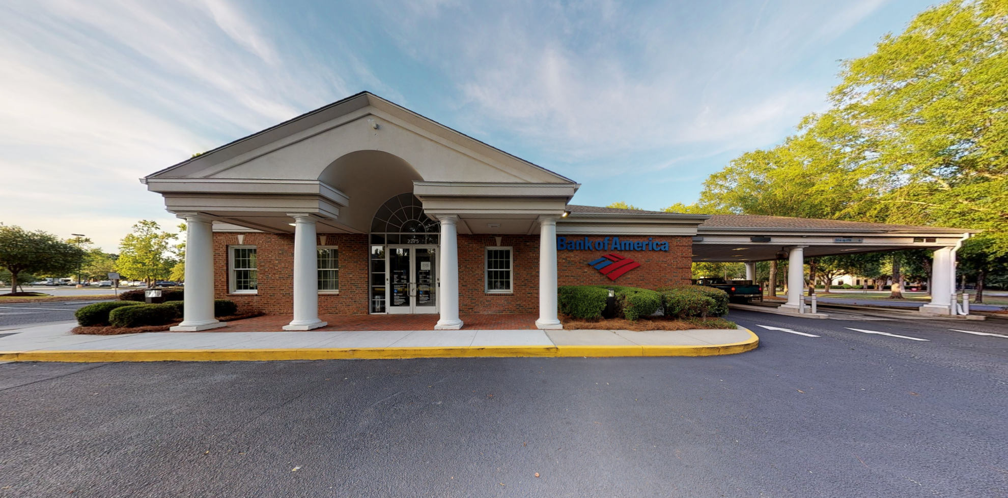 Bank of America financial center with drive-thru ATM | 2275 Ashley Crossing Dr, Charleston, SC 29414