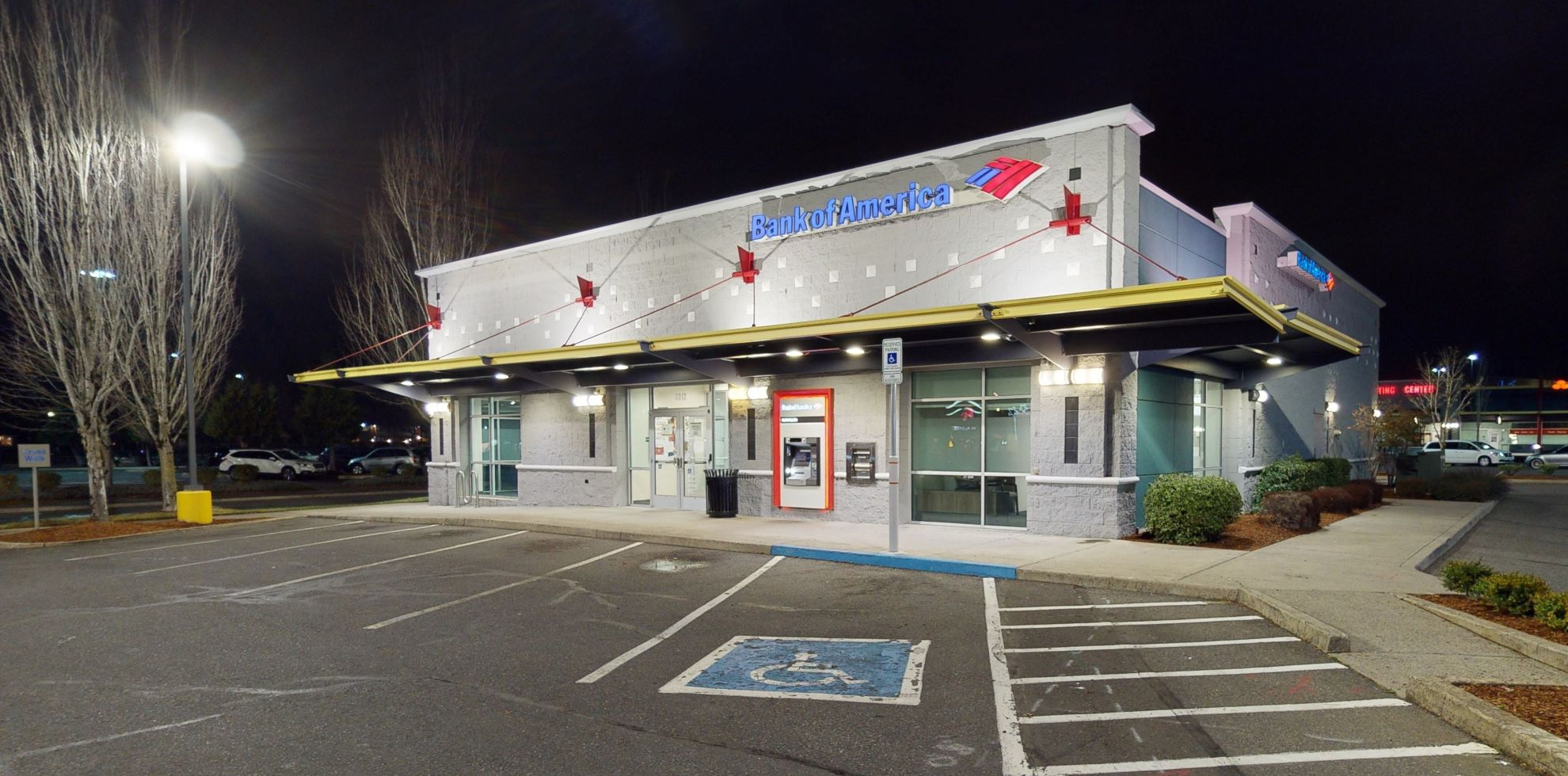 Bank of America financial center with drive-thru ATM   4012 SE 82nd Ave, Portland, OR 97266