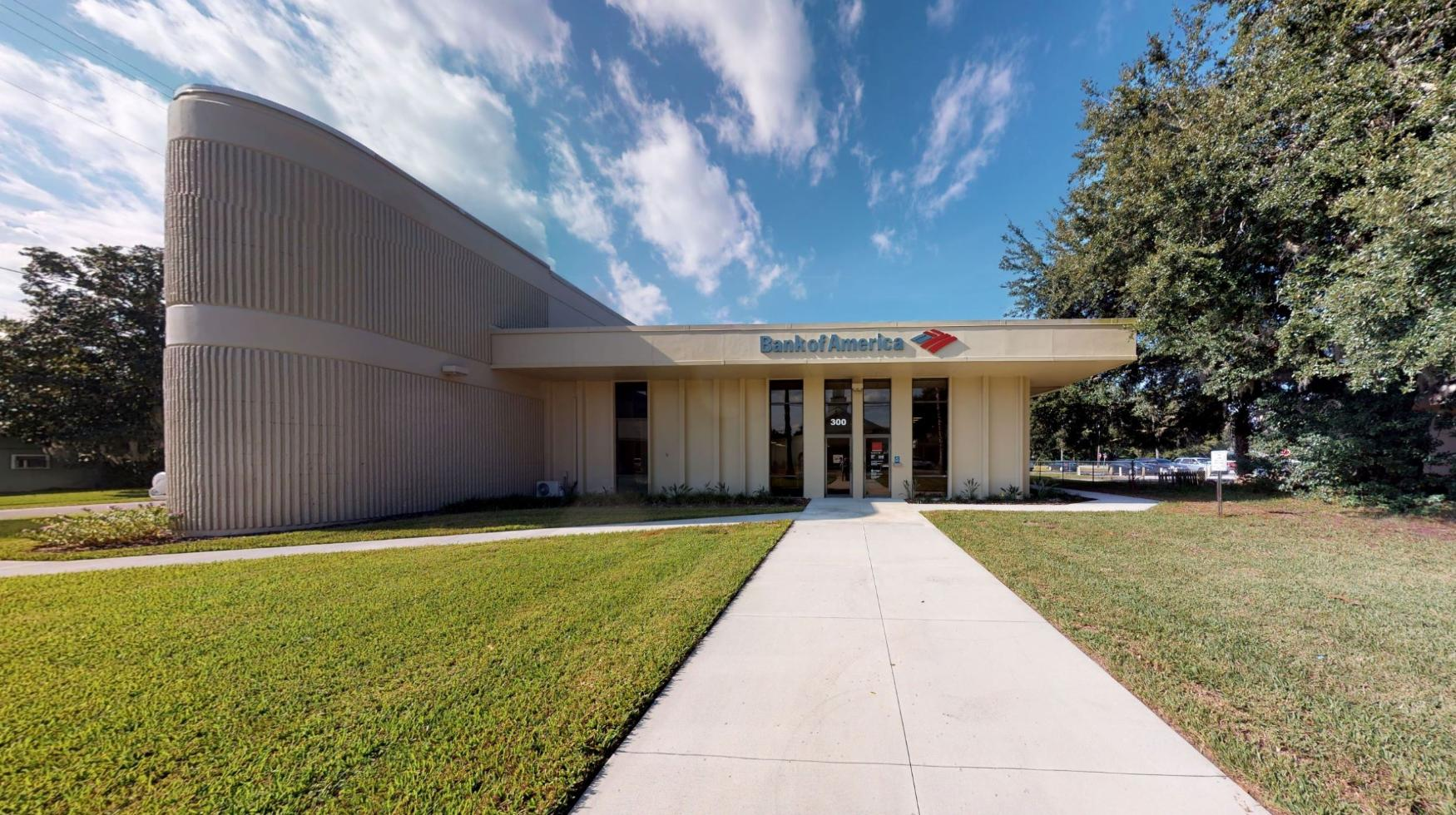 Bank of America financial center with drive-thru ATM | 300 E Moody Blvd, Bunnell, FL 32110