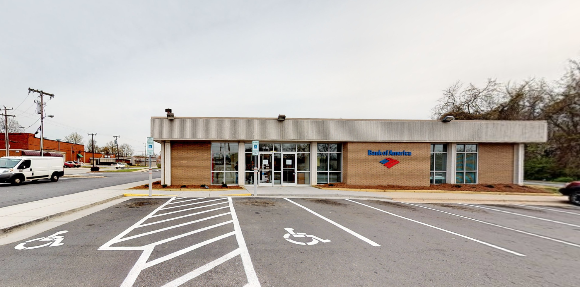 Bank of America financial center with drive-thru ATM and teller | 1616 E Bessemer Ave, Greensboro, NC 27405