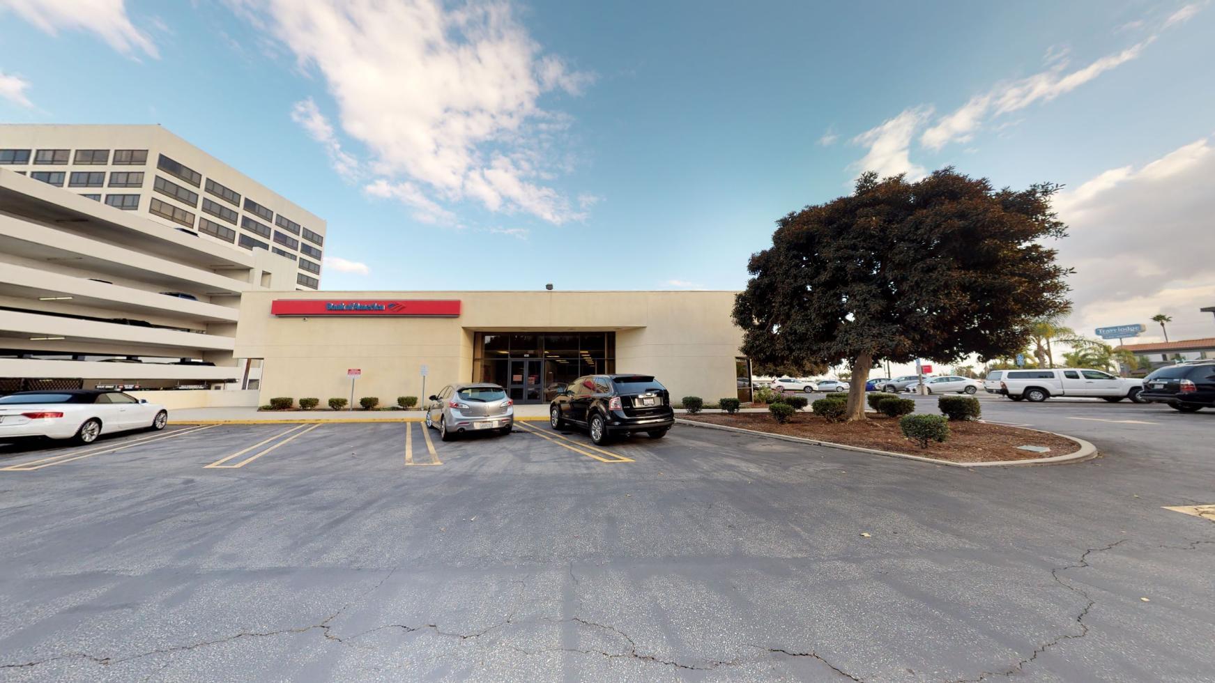 Bank of America financial center with walk-up ATM   835 N Pacific Coast Hwy, El Segundo, CA 90245