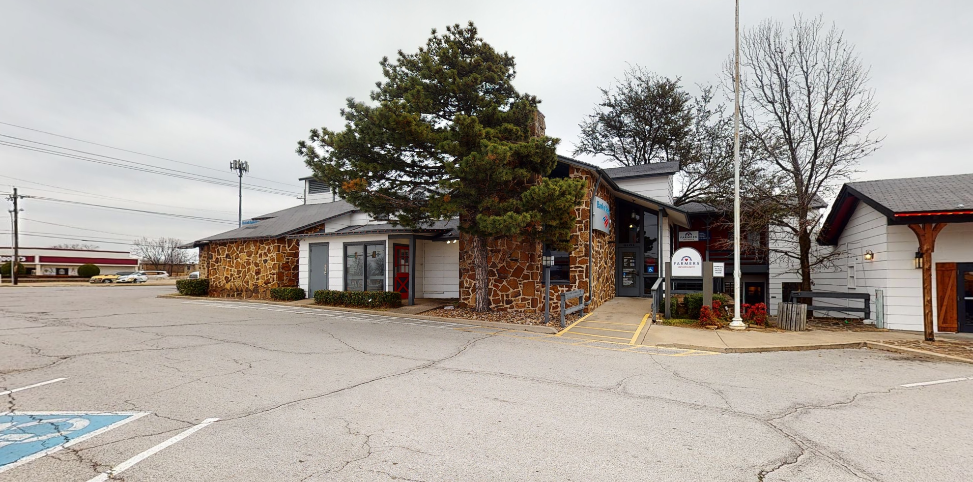Bank of America financial center with drive-thru ATM and teller | 5101 S Sheridan Rd, Tulsa, OK 74145