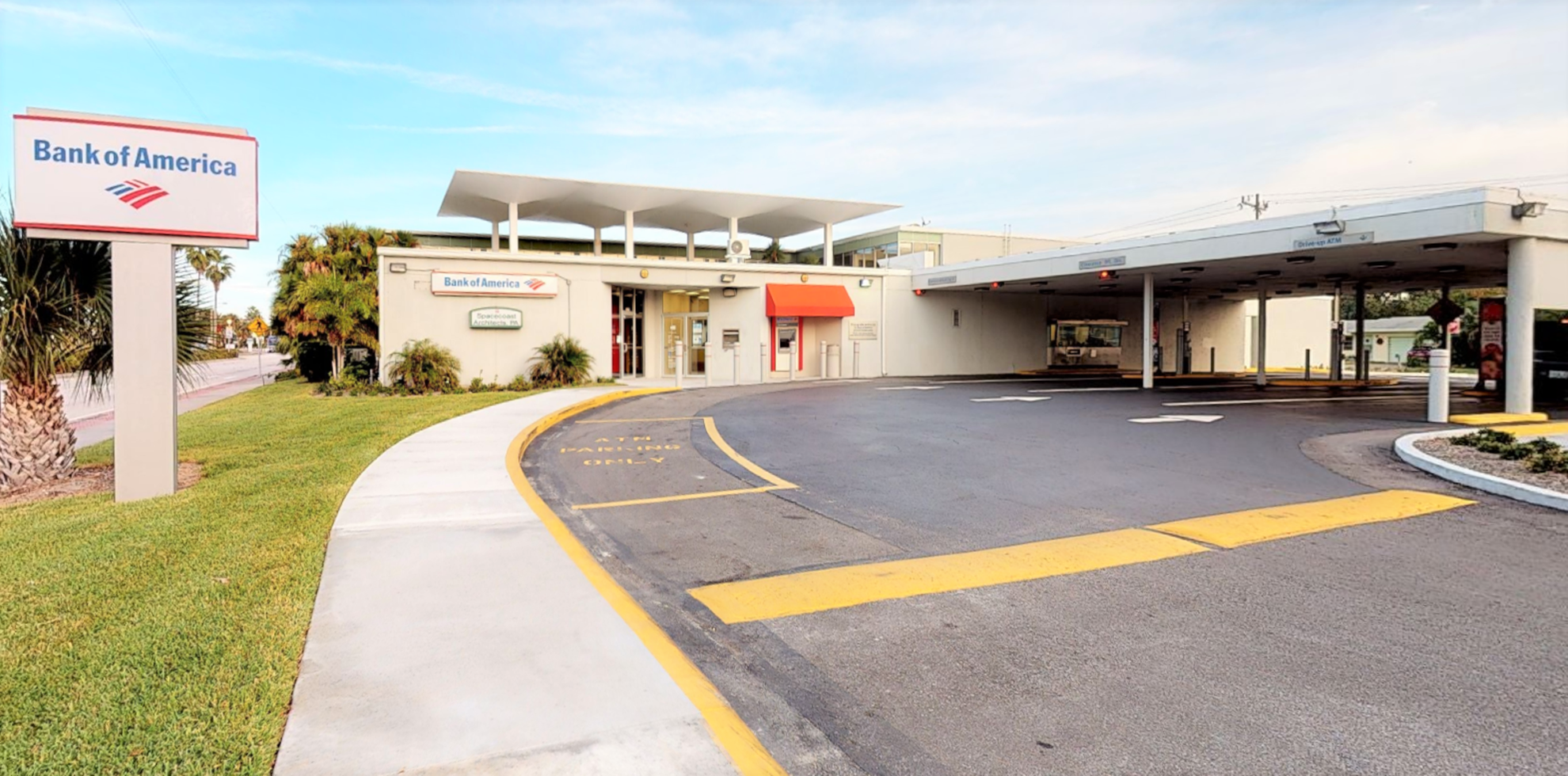 Bank of America financial center with drive-thru ATM | 333 5th Ave, Indialantic, FL 32903