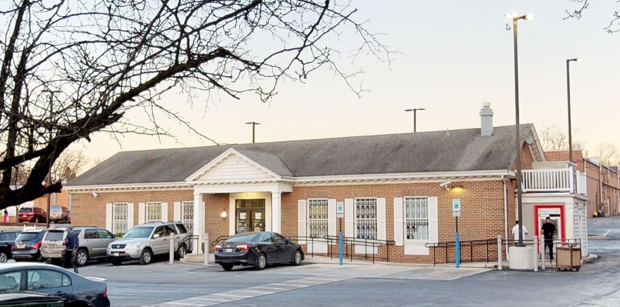 Bank of America financial center with drive-thru ATM | 9111 Riggs Rd, Adelphi, MD 20783