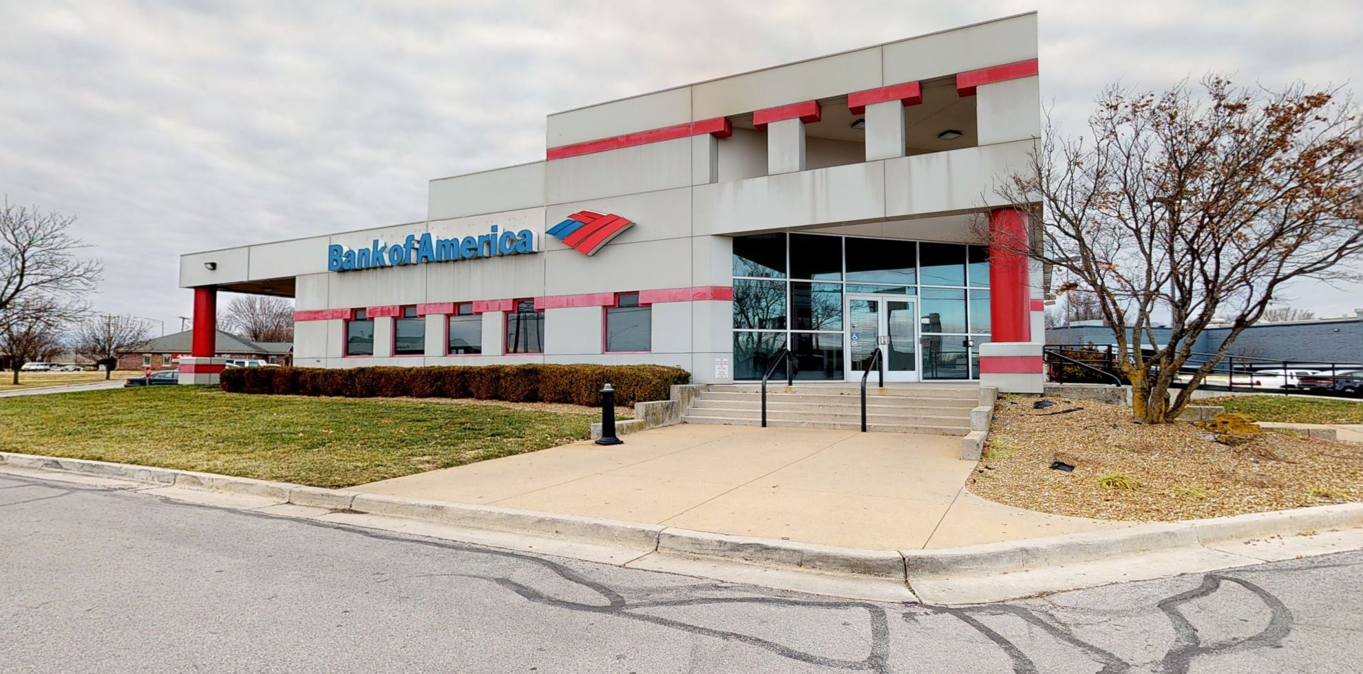 Bank of America financial center with drive-thru ATM | 4141 S Campbell Ave, Springfield, MO 65807