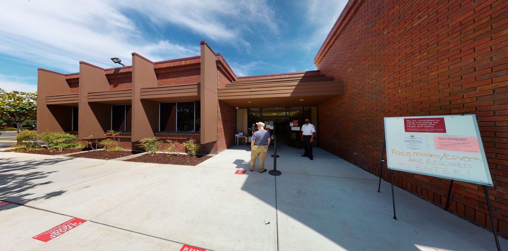 Bank of America financial center with walk-up ATM | 740 E Calaveras Blvd, Milpitas, CA 95035
