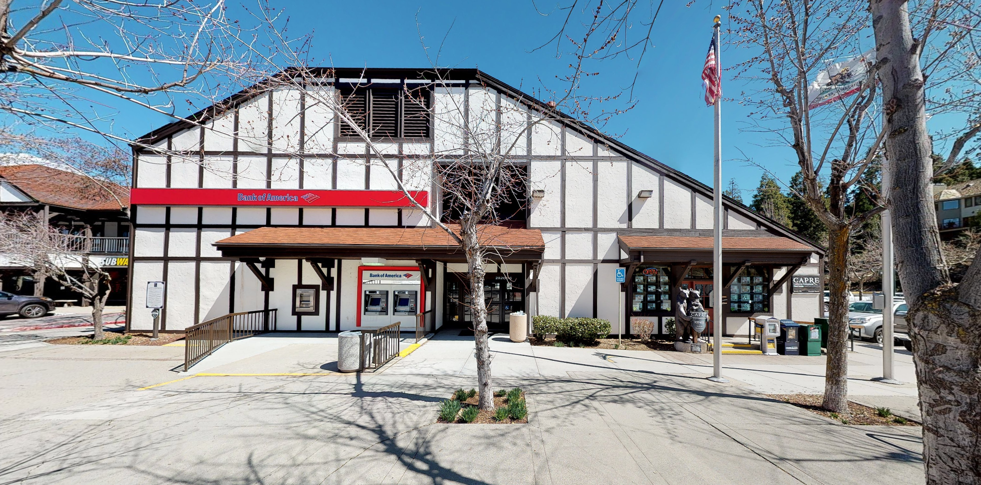 Bank of America financial center with walk-up ATM | 28200 State Hwy 189, Lake Arrowhead, CA 92352