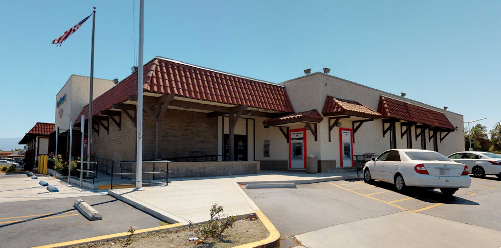 Bank of America financial center with drive-thru ATM | 2690 Hamner Ave, Norco, CA 92860