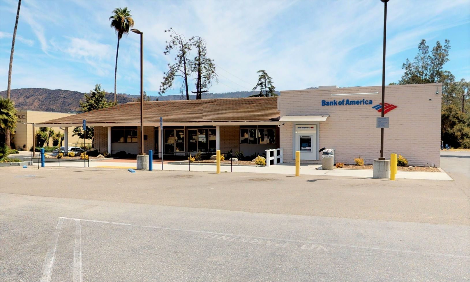 Bank of America financial center with drive-thru ATM | 205 W Ojai Ave, Ojai, CA 93023