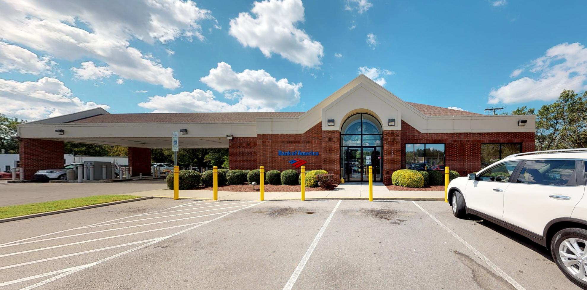 Bank of America financial center with drive-thru ATM | 1625 Memorial Blvd, Murfreesboro, TN 37129