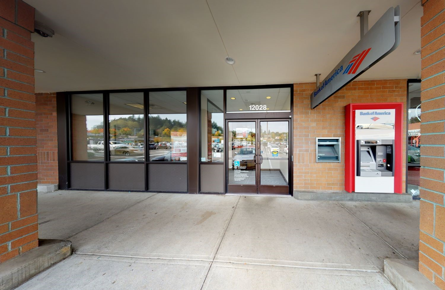 Bank of America financial center with walk-up ATM   12028 SE Sunnyside Rd, Clackamas, OR 97015