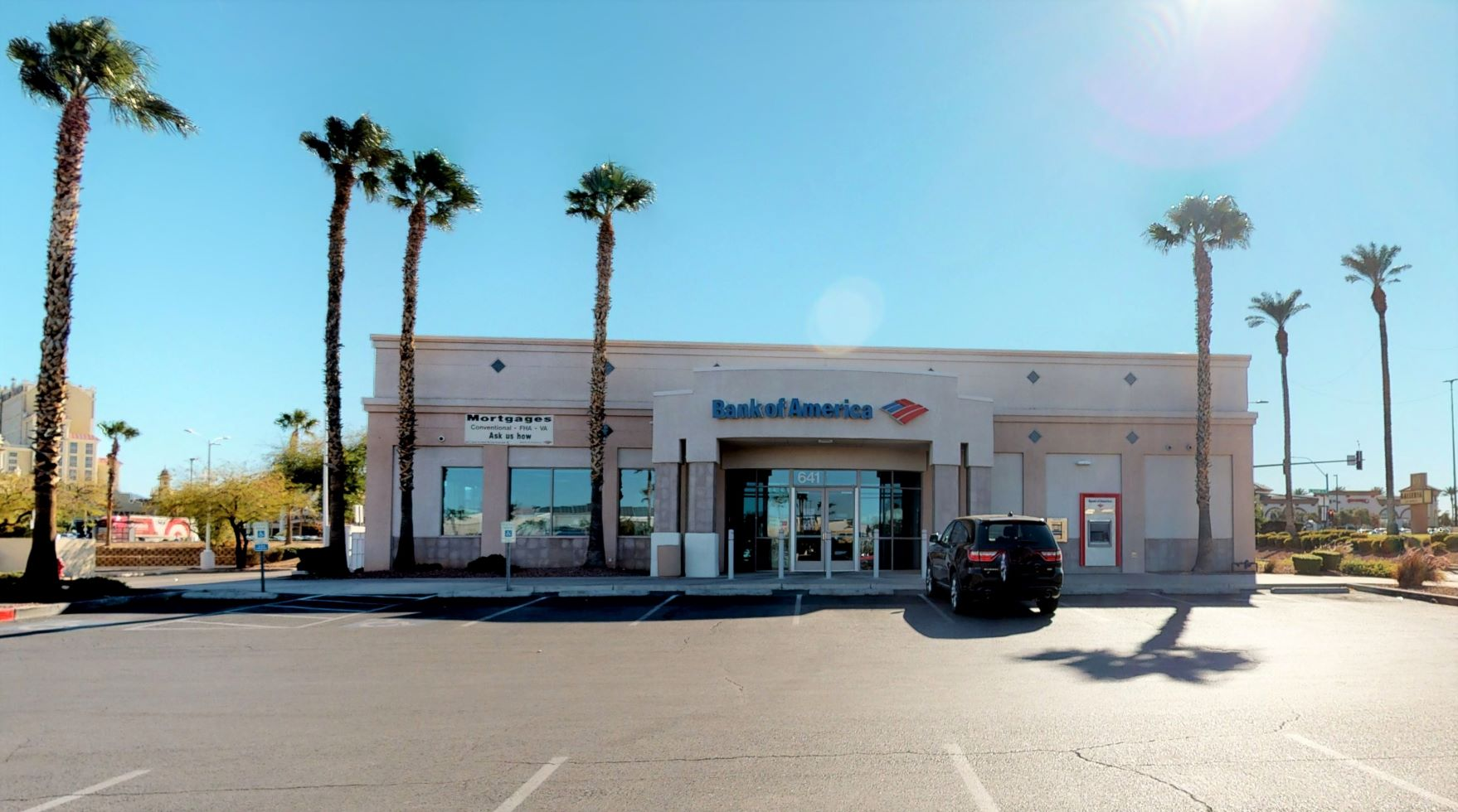 Bank of America financial center with drive-thru ATM | 641 Mall Ring Cir, Henderson, NV 89014