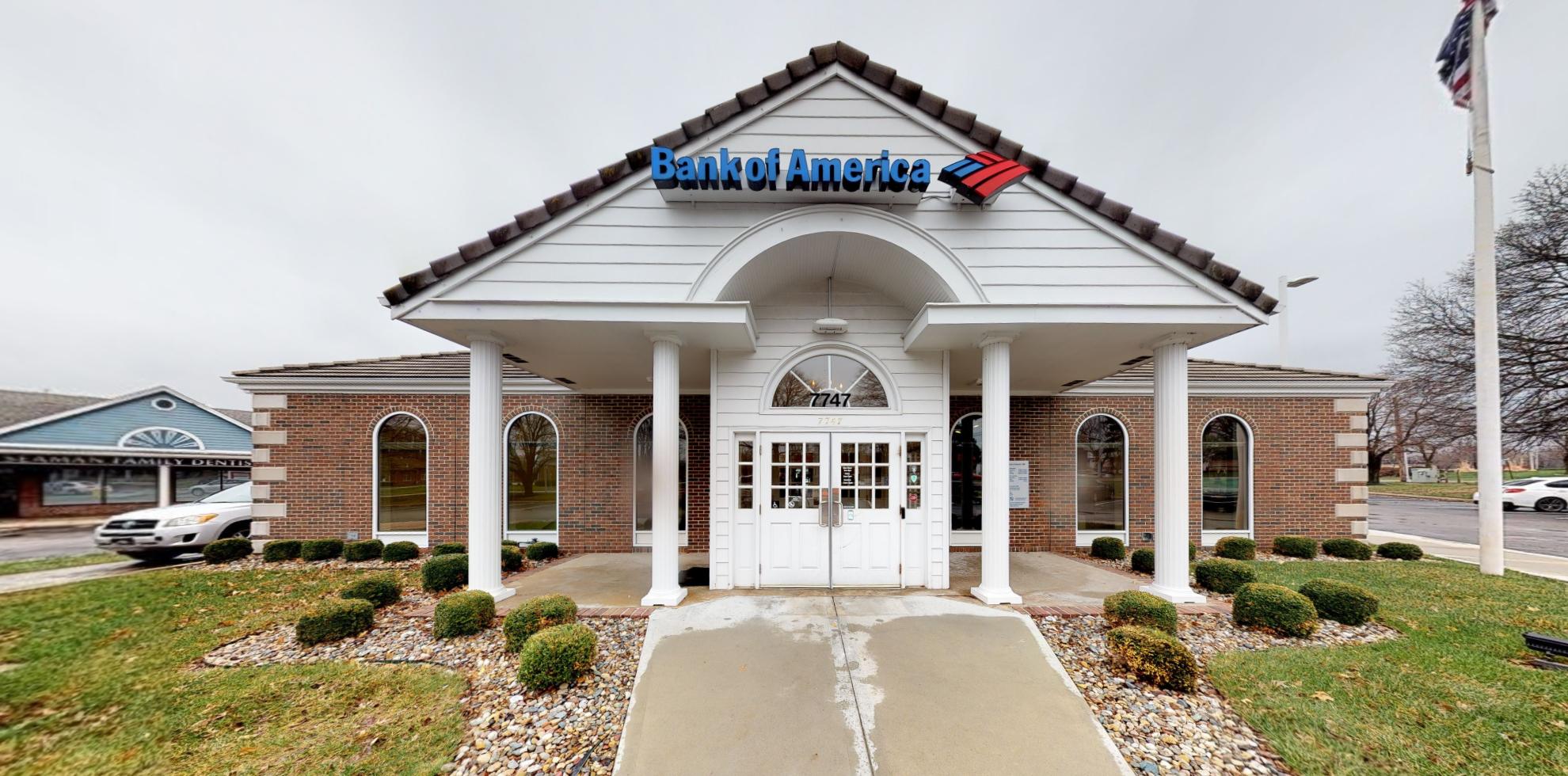 Bank of America financial center with drive-thru ATM | 7747 Quivira Rd, Lenexa, KS 66216