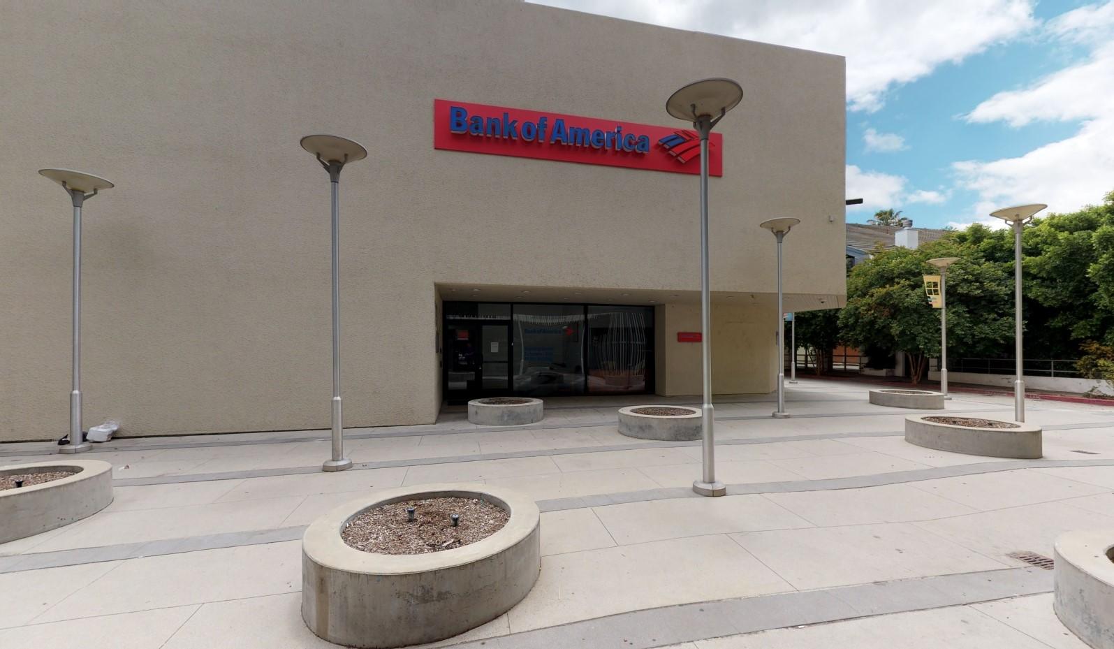 Bank of America financial center with walk-up ATM   12223 Ventura Blvd, Studio City, CA 91604