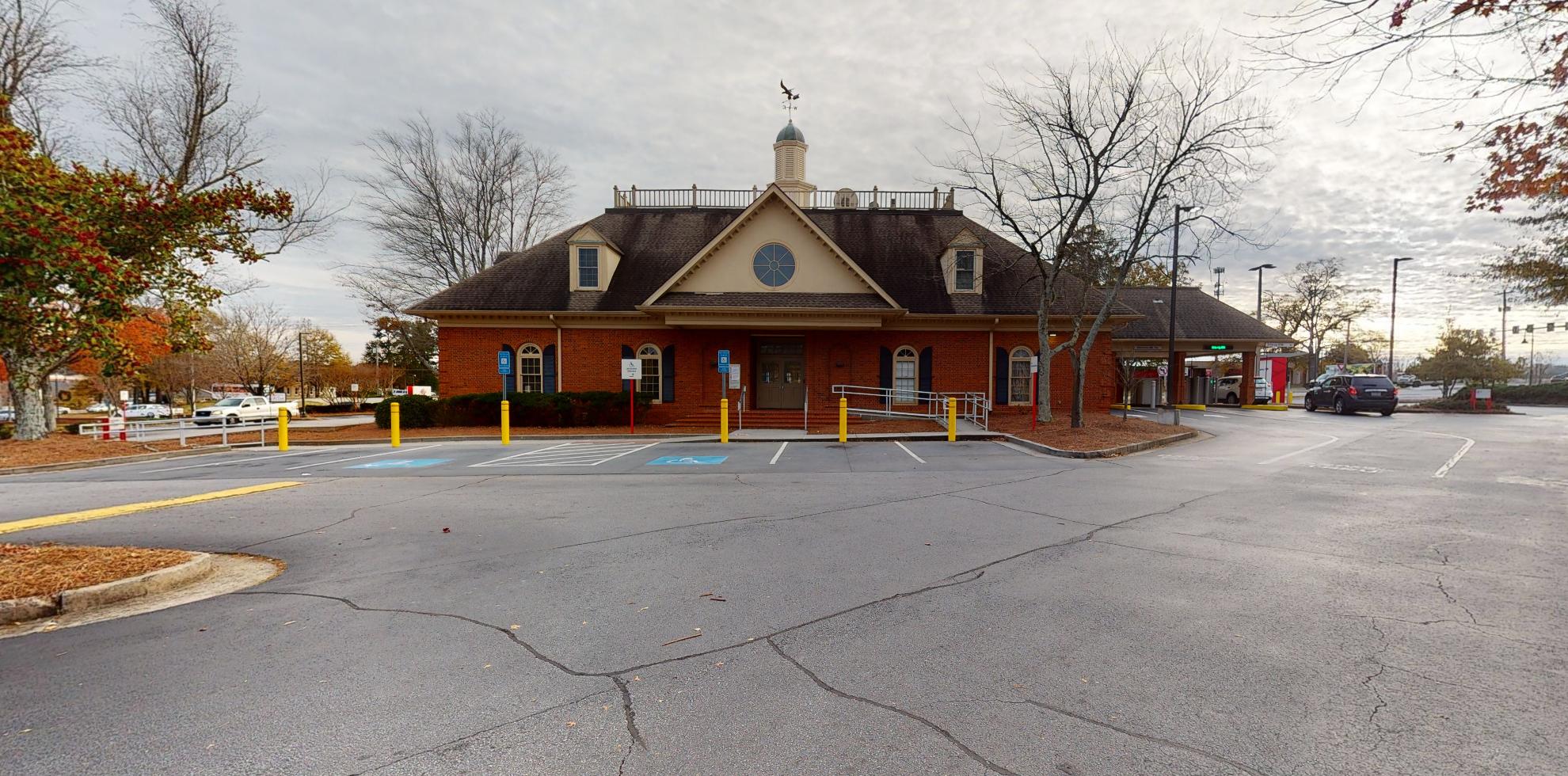 Bank of America financial center with drive-thru ATM | 2467 E Main St, Snellville, GA 30078