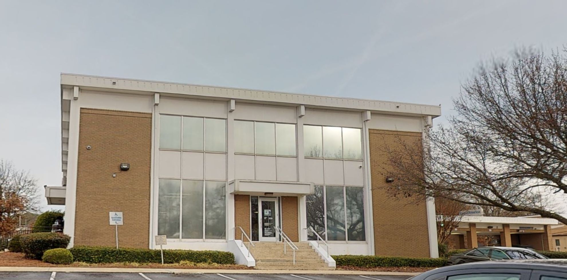 Bank of America financial center with drive-thru ATM | 2333 Main St, Tucker, GA 30084